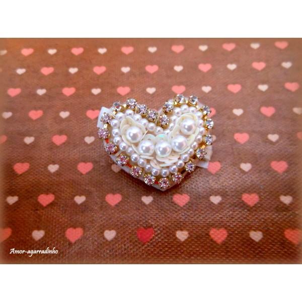 Bico de Pato Coração de Pérolas e Strass