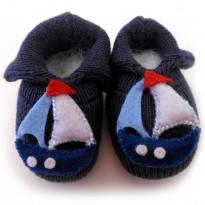 Sapatinho de Bebê Menino Tricô Barquinho Azul Marinho